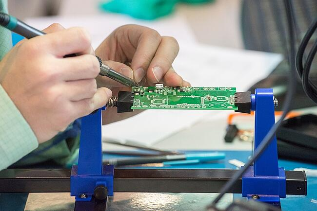 Hand Soldering: Why It's the Right Call For Your PCB Assembly Through-Hole